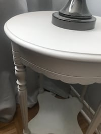 White Shabby Chic Round Side Table Mississauga, ON, Canada