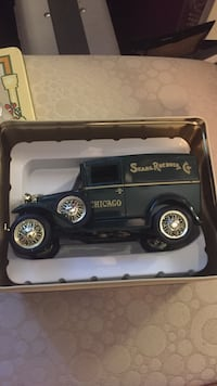 vintage collector henry ford model a series piggy bank in original casing Oklahoma City, 73160