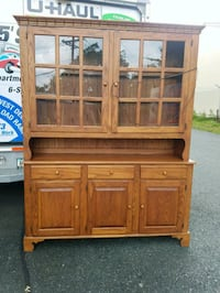 OAK COUNTRY CHINA CABINET  / SIDEBOARD