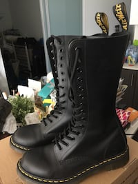 Women39 Dr Martins black boots great condition Toronto, M1T 3W6