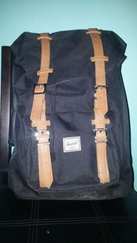 Herschel medium size backpack 3744 km