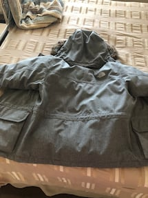 The north face boys jacket small 7/8 in perfect condition