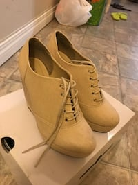 women's beige suede lace-up wedge oxford booties with box Edmonton, T6H 5J2