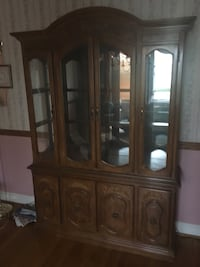 Dining room hutch.Great condition ,glass shelves. Newtown Square, 19073