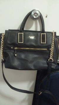Auth Guess tote Calgary, T2H 2S1