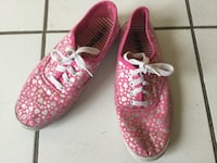 Pair of pink-and-white low top sneakers size 7,5 Vaughan, L6A 1M9