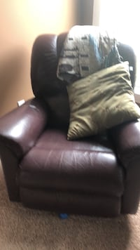 black leather recliner sofa chair null