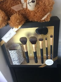 7 Piece Face & Eye Brush kit  NEW make up brush set  / Primrose Hill -London Alexandria, 22311