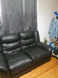 black leather recliner sofa chair Chicago, 60659