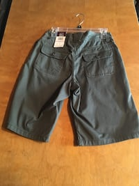 Women's Long shorts Size 6 Madison Heights, 48071