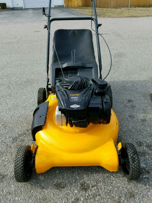 Poulan Pro Lawn Mower With A Bag