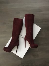 Authentic dior suede boots Burnaby, V5C 4A8