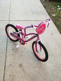 toddler's pink and white bicycle Des Plaines, 60018