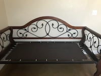 Solid wood daybed/w pop up trundle  1263 mi