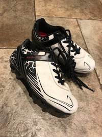 Kid's soccer shoes Markham, L3T 3K7