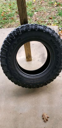Tire 245/75R16 ONLY 1 TIRE Bolivar, 25425