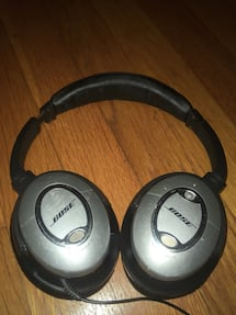 Used Bose QC15 Noise Cancelling Headphones