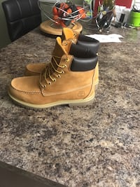 Pair of brown timberland work boots Lower Sackville, B4C