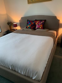 free dresser and 2 night stands if you buy the beautiful bed Paris, 75002