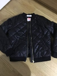 Girl jackets  for sale in very good condition, prices between 50 - 100 kr size 134  Stockholm, 127 41