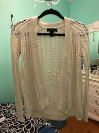 Forever 21 white knitted cardigan size small Ottawa, K2B