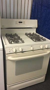 GE gas Stove excellent condition  Windsor Mill, 21133