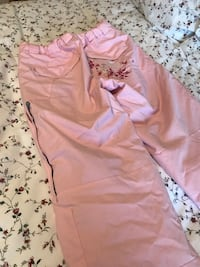 Girls large. Fit like adult XS. Firefly. Great condition just need a wash  Kelowna, V1W 3G8