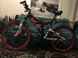 McKenzie Hill 600 Mountain bike with full suspension and disk brakes