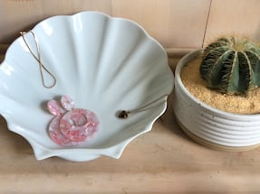 Vintage Inspired Catch All Shell Plate