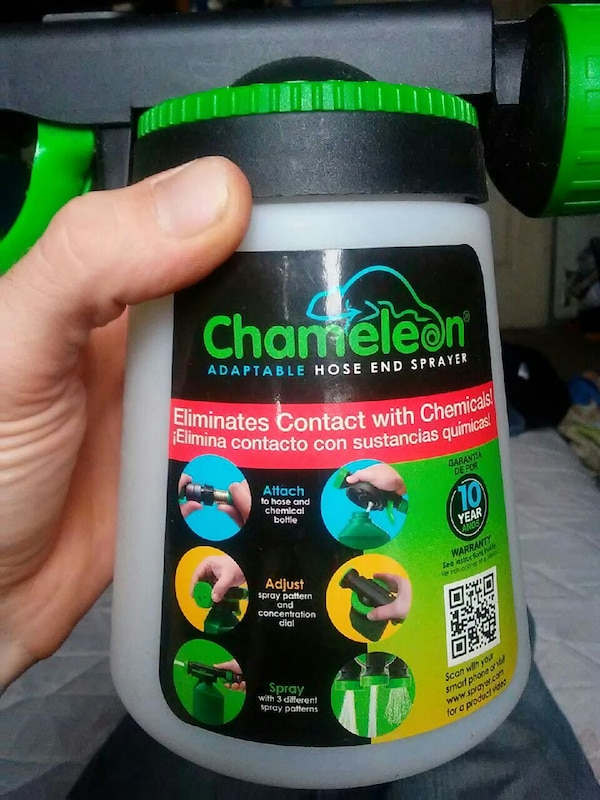 Chameleon adaptable hose-end sprayer