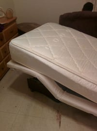 white and gray bed mattress Salaberry-de-Valleyfield, J6T 2R2
