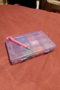 Rainbow loom box with rubber bands