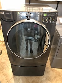 Black and gray Kenmore Elite front-load clothes washer Reston, 20191
