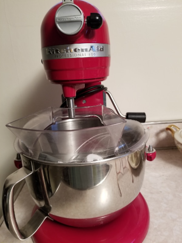 Kitchen aid 6 quart mixer in red with stand