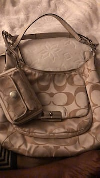 Coach Bag with wallet Seat Pleasant, 20743