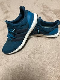 Pair of blue-and-white adidas sneakers Concord, 28027