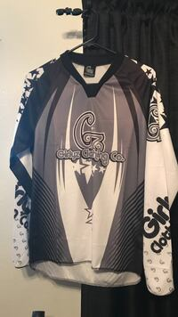 black and white Adidas jersey shirt Bakersfield, 93311