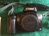Cannon film camera plus 2 lens and professional metal case