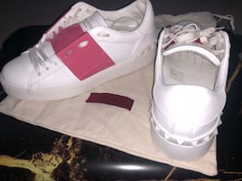 Excellent condition Valentino size 35 (5-5.5)