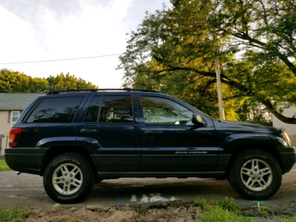 2004 - Jeep - Grand Cherokee Laredo 0