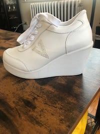 Volatile Cash White Wedge Sneakers Worn Once