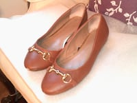 Banana  Republic womens flats size 10 brown  Chicago