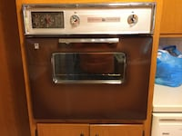 In-wall electric oven