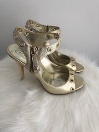 GUESS GOLD HIGH HEELS - SOULIERS A TALON OR - SIZE 7 Laval, H7P 1Z7