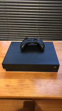 black Sony PS4 console with controller Freeland, 48623