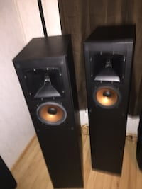 Klipsch powered speakers and a center speaker  Dearing, 30808