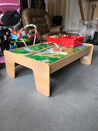 Kids train set table with all tracks and trains included  Vaughan, L4J 0C3