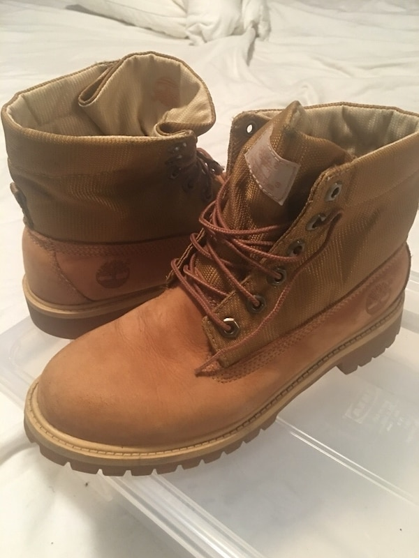 Unisex timberlands it's 6M Europe it's about and 8.5-9