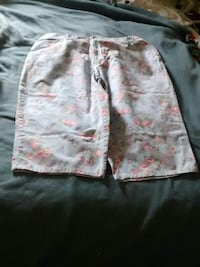 Woman short size 18 w