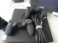 SONY - CUH-2015A - 1TB PS4 W/2 CONTROLLERS AND CORDS